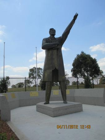Campbelltown, Australien: Jose Rizal statue, the park named after him.