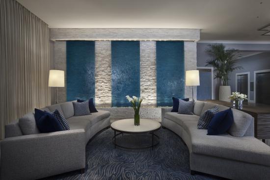 Ocean View Hotel: Lobby