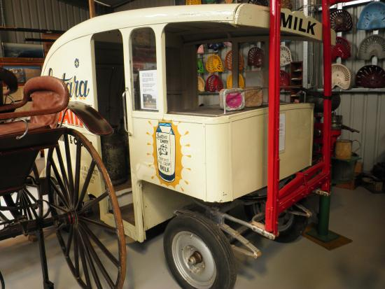 Port Elliot, Australien: Horse-drawn milk float