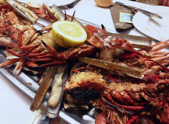 Candas, Spain: Parrillada de Marisco | Restaurante Santarúa