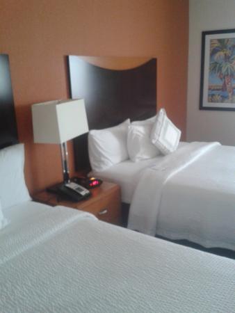 Fairfield Inn & Suites Miami Airport South : Habitación