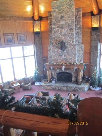 Spearfish Canyon Lodge: The Great Room / Entry