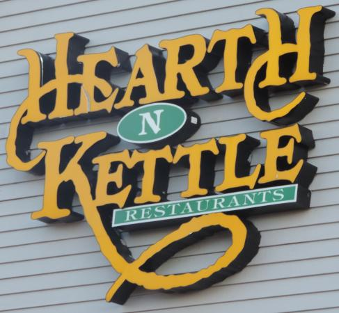 Hearth 'n Kettle Hyannis: Hearth-n-Kettle