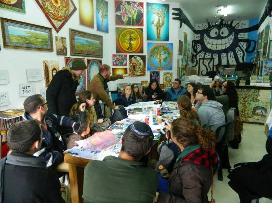 Yom Tov Art Gallery: live art workshop at Yomtov's gallery