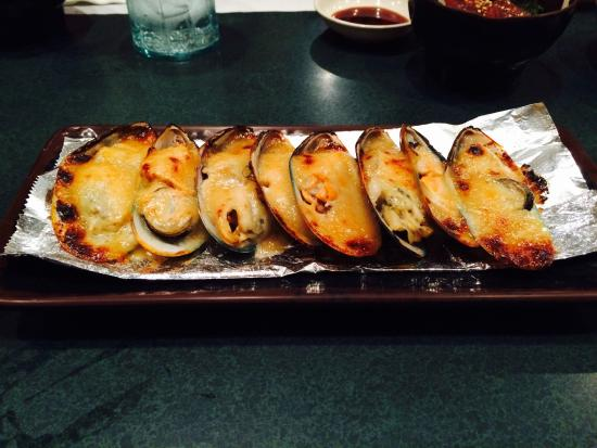 Sushi Mon: Baked Green Mussels a