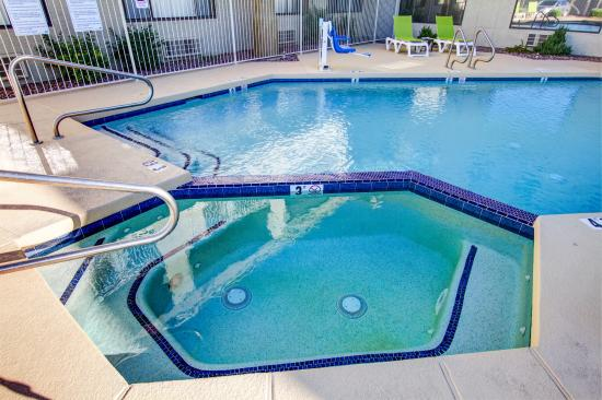 Comfort Inn Fountain Hills - Scottsdale: Hot Tub