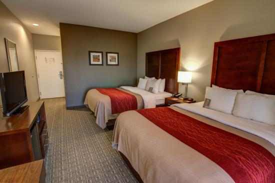 Comfort Inn Fountain Hills - Scottsdale: Two Queen Beds