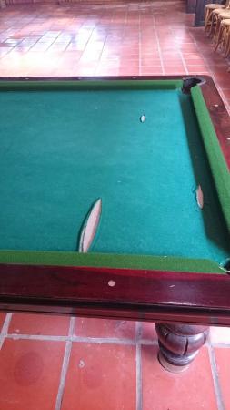 Wild Beach Resort and Spa: Broken billiards table