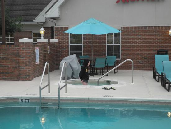 Residence Inn Jacksonville Airport: Hot Tub