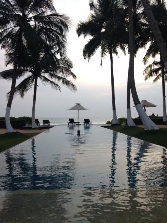 Apa Villa Thalpe: Piscina