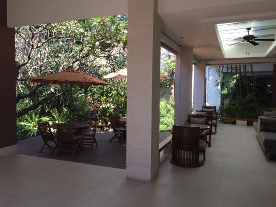 Woodlands Hotel & Resort: Hall