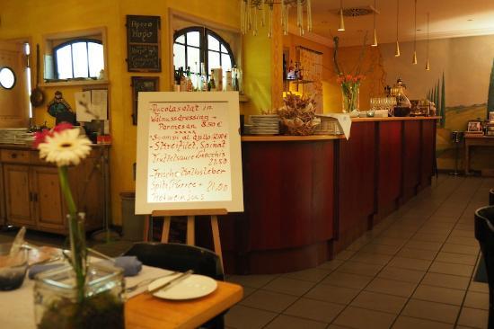 Carsten's Restaurant