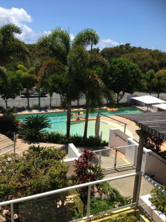 Seachange Coolum Beach: The pool view from our balcony
