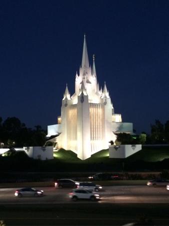 San Diego Mormon Temple: a foto só não ficou melhor porque tirei do iPhone.