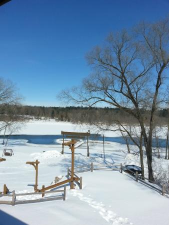 Rivers Edge Resort and Motel: The view from the balcony off of the kitchen.  Oh so serene!