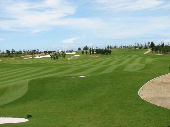 Danang Golf Club: Belos campos de golf.