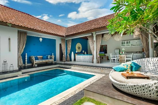 4S Villas at Seminyak Square: Villa Sea-Overview with relaxing mood