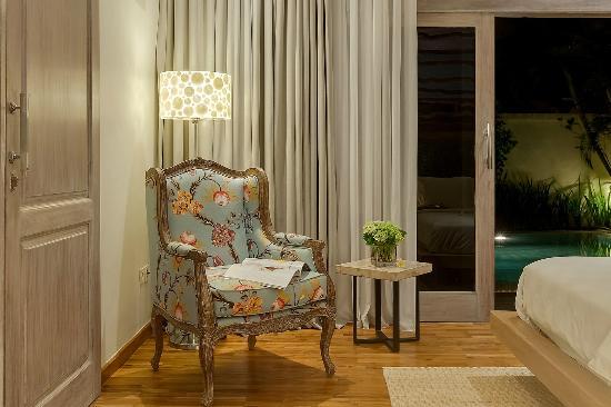 4S Villas at Seminyak Square: Villa Sky-Reading chair