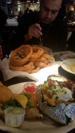 Pappadeaux Seafood Kitchen: Onion rings