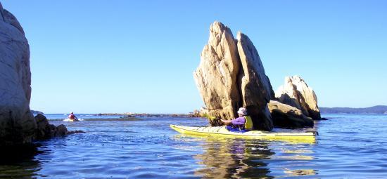 Bay and Beyond Sea Kayak Tours: sneaking through on high tide