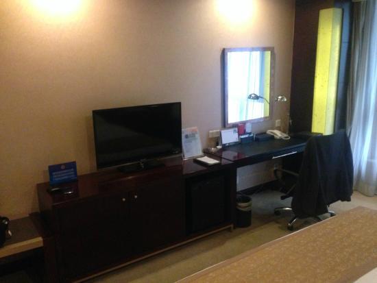 Oriental Bay International Hotel: Entertainment