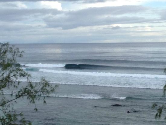 Mangalonga Island, Salomonen: Surf nearby