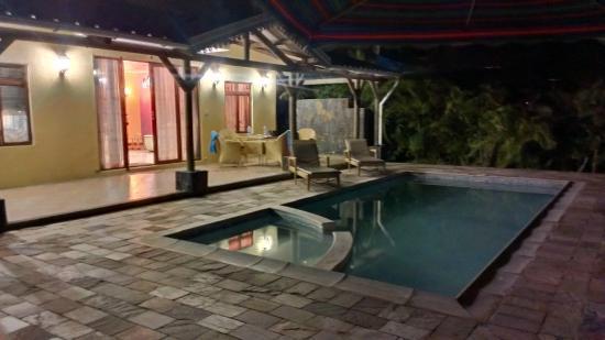 Orchid Villas Mauritius: Villa notte