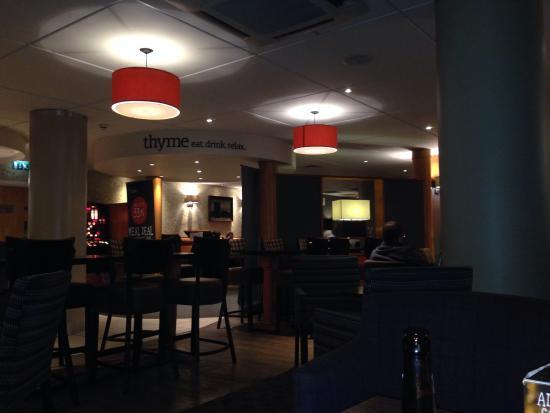 Premier Inn Manchester Airport (M56/J6) Runger Lane South: Bar area