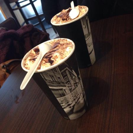 Bagels and coffees: Chocolat chaud aux marshmallow!!