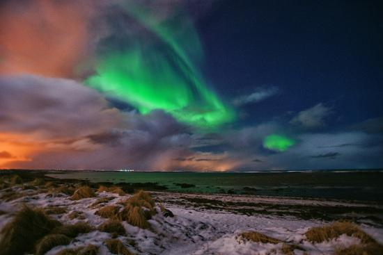 Grotta Lighthouse: Northern Lights at Grotta