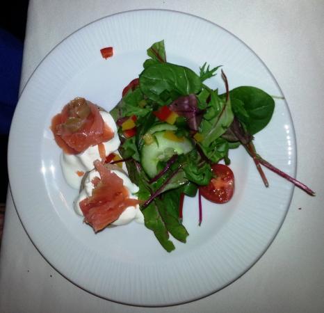 Lavenda Restaurant: Homemade Blinis with Smoked Salmon