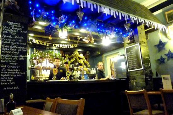 The Coledale Inn: Bar within the lounge.