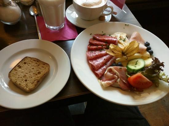 Photo of Restaurant Cafe Zimt at Ehrengutstr. 9, Munich 80469, Germany