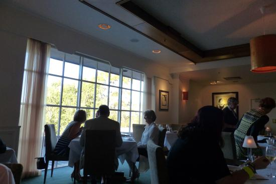 Terrace Restaurant: Still have emppty tables!