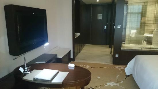 Howard Johnson Shipu Plaza Ningbo : 部屋の入り口