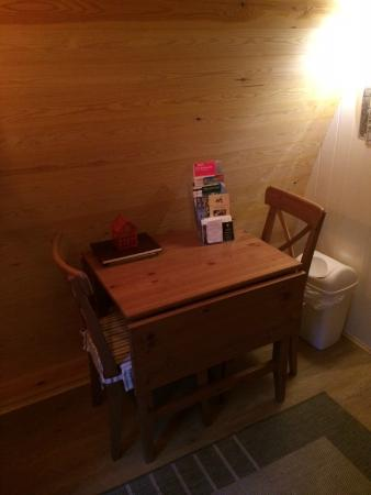 West Stow Pods: Cute dinner table