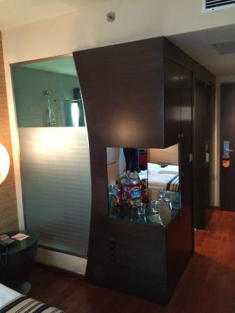 Amazing Soho Boutique Hotel: Mini Bar And Clear View Shower From Bedroom Area