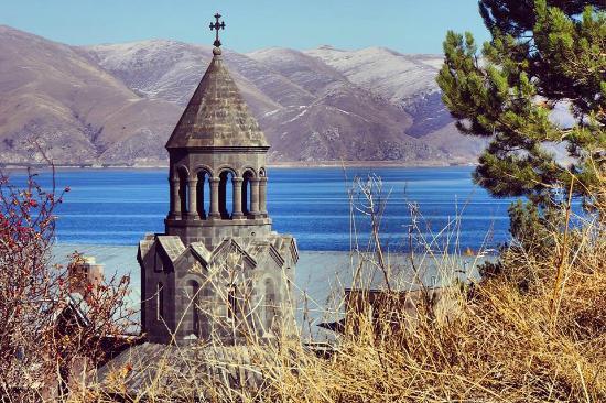 Lake Sevan, Ermenistan: HAYRAVANK