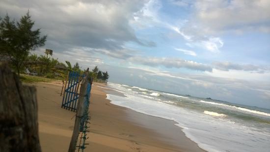 Hotel White Sand Beach: beach side