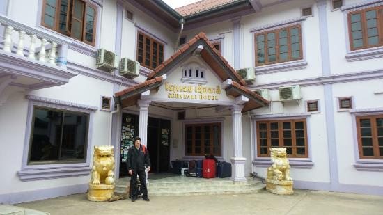 Sernalli Hotel: ingresso dell hotel