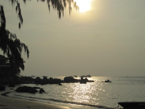 Captain Nemo Guesthouse: Sairee beach