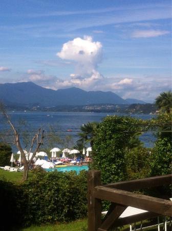 La piscina dell'hotel Conca Azzurra...