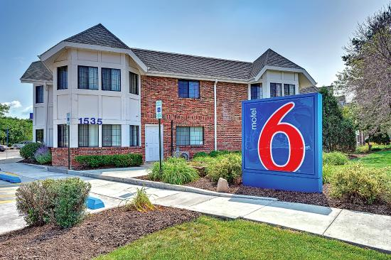 Photo of Motel 6 Chicago North- Glenview