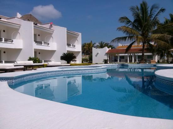 Hotel Suspiro: Area de Albercas