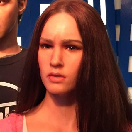 megan fox seriously ピジョン フォージ hollywood wax museum