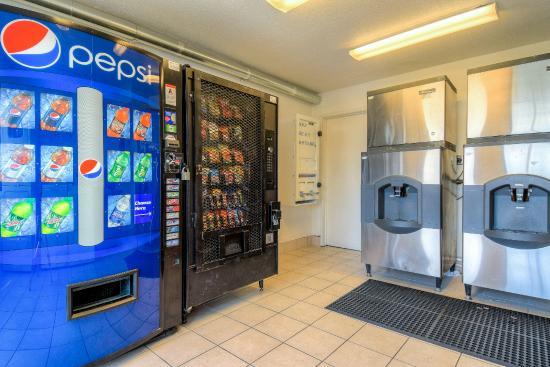 Motel 6 San Diego - El Cajon: Vending