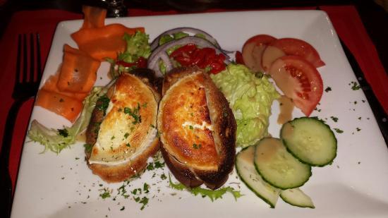 Casa bonita : Salade chèvre / miel