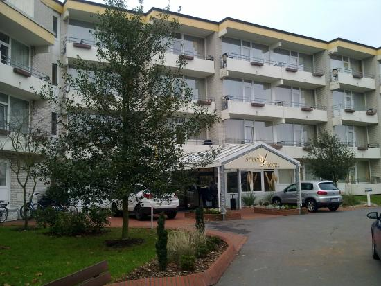 Strandhotel Weissenhäuser Strand: Hoteleingang zum Strandhotel