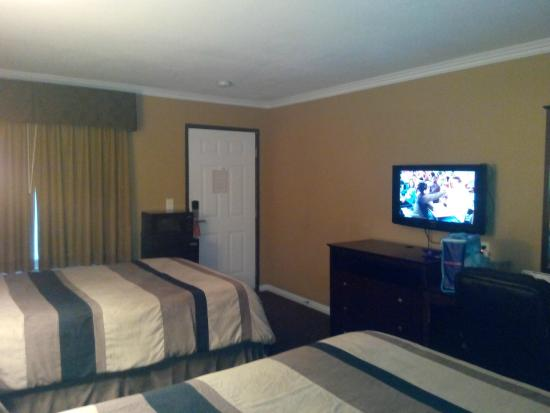 another view see tv and weird fridge placement picture. Black Bedroom Furniture Sets. Home Design Ideas