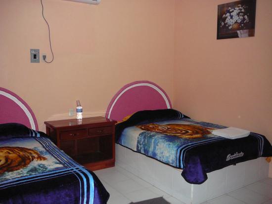 Restaurant y Hotel Calakmul: room